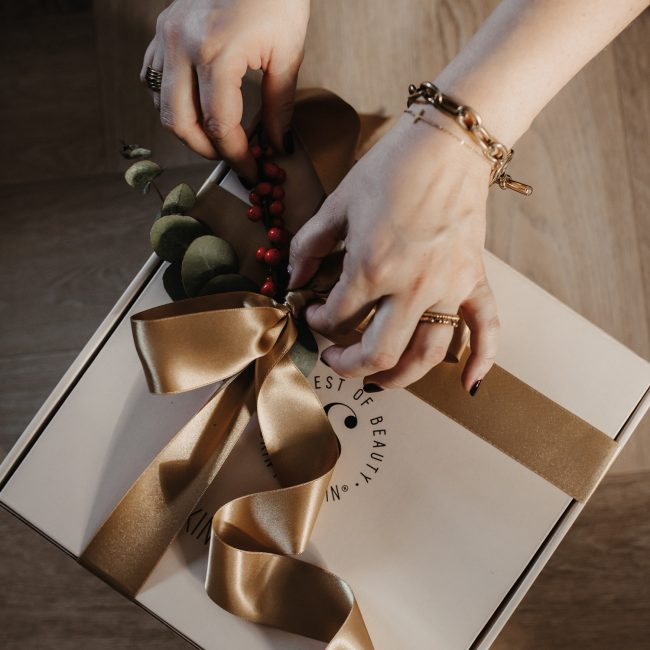 christmasbox-gift-of-glowing-skin
