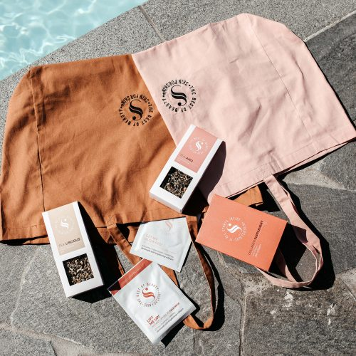 The summer <br><b>essentials box</b>